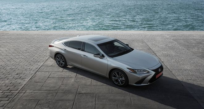 Outstanding Real-Life Fuel Consumption of Lexus Es Hybrid Confirmed in Adac Ecotest